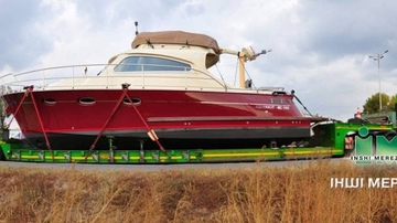 Transportation of yachts and motor boats